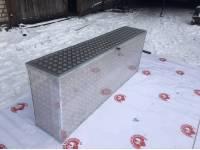 Ящик инструментальный на УАЗ Профи с внутренней секцией под запаску